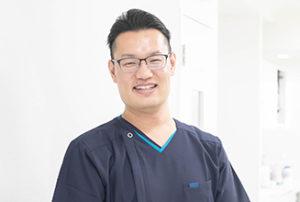 歯科医師 川本幸寛